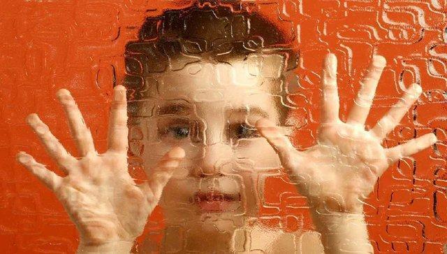 توصیه هایی به خانواده های دارای فرزند اتیسم در روزهای کرونایی