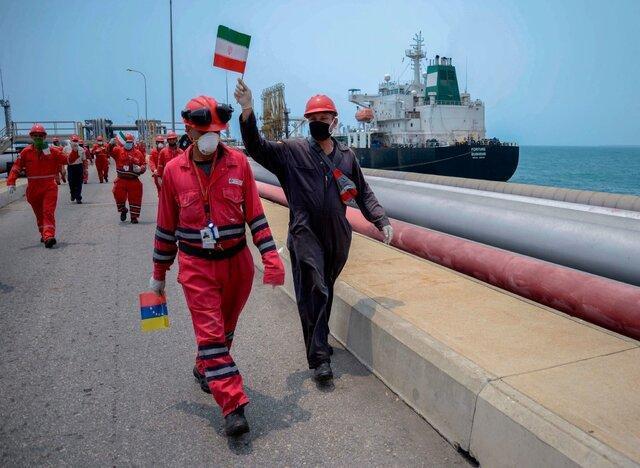 سومین نفتکش ایرانی به منطقه اقتصادی ونزوئلا نزدیک شد